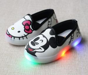 LED Shoes in Baby First Walkers Cartoon Toddler Shoes (AKBS18) pictures & photos
