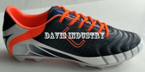Mens Soccer Shoes with Rubber Sole pictures & photos