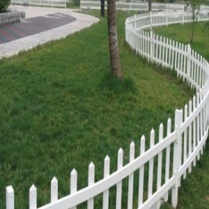 Strong UV Proof Innovative Design Plastic Vinyl/PVC Garden Fence pictures & photos