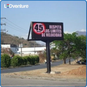 Outdoor Full Color Front Repair LED Digital Billboard pictures & photos