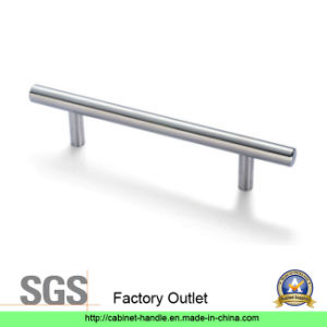 Factory Outlet Stainless Steel Cabinet Furniture Handle (T 135) pictures & photos