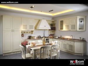 German Quality Oak Family Kitchen Cabinet pictures & photos
