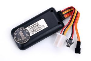 Vehicle GPS Tracker with Real Time Fleet Tracking Service with Optional Sos Button pictures & photos
