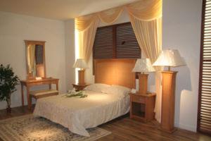 Bed Room Set (SA436)