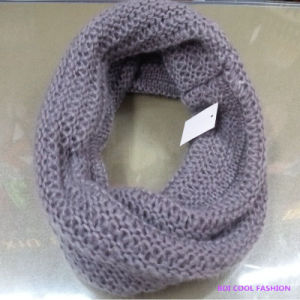 Ladies Winter Fashion Acrylic Knitted Scarf (CYX-1421) pictures & photos