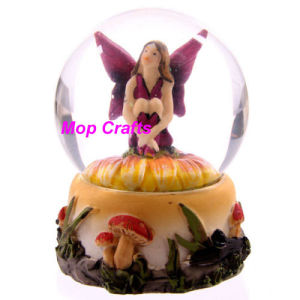 Polyresin Fairy Water Globe, Resin OEM Waterglobe pictures & photos
