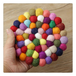2017 Best Custom Felt Ball Coaster for Drink Tableware pictures & photos