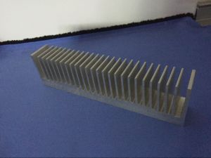 Extruded Aluminum Heat Sink Profile Extrusions pictures & photos