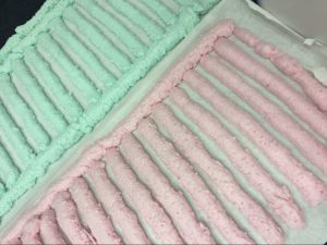 Pink Color One Component Polyurethane Foam pictures & photos