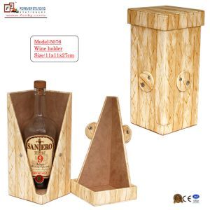 2014 New Stylish Leather Wine Bottle Holder (5076) pictures & photos