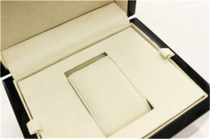 Wholesale High Gloss Black Wood Gift Watch Box pictures & photos