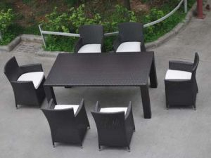 Patio Furniture Outdoor PE Rattan Dining Set Chairs and Table pictures & photos