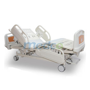 Five Functions Electric CPR Release Hospital Bed pictures & photos