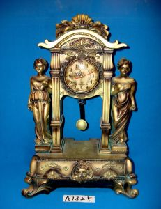 Antique Desk Clock with Polyresin Base for Home/Hotel Decoration pictures & photos