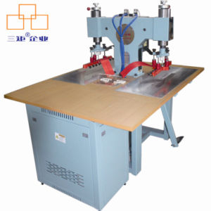 Radio Frequency Plastic Welding Machine for Raincoat/Logo, Ce Approved pictures & photos