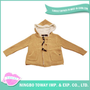 Horn Button Warm Fleece Lining White Kids Knitted Cardigan pictures & photos