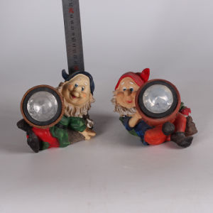 Hot Sale Custom Resin Garden Gnome Solar Light pictures & photos