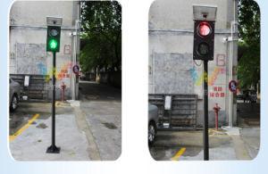 Mini Portable 125mm Pedestrian Solar Traffic Signal Light pictures & photos