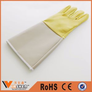 China Factory Sales Leather Safety Welding Gloves pictures & photos