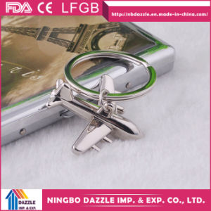 2017 New Fashion Airplane Promotional Metal Keychain pictures & photos