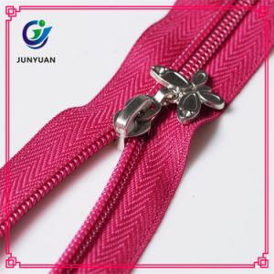 Hot Selling High Quality Wholesale Colorful Nylon Zipper pictures & photos