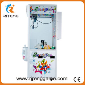 Cheap Crane Game Machine Arcade Claw Machine for Sale pictures & photos