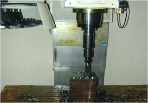 High Performance CNC Milling Machine for Metal Processing (EV1060L) pictures & photos