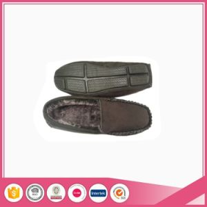 High Quality Men Suede Mocassin Shoe Slipper pictures & photos