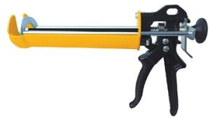 Caulking Gun C1360 pictures & photos