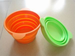 Eco-Friendly Collapsible Silicone Bowl for Pets pictures & photos