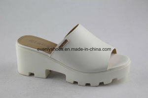 New Style PU Fashion Women Casual Sandal pictures & photos