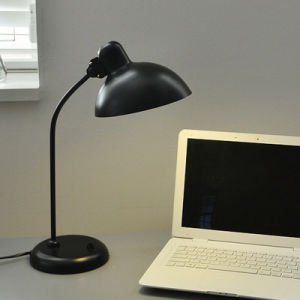 Classical Table Lamp/Office Desk Lamp pictures & photos