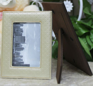 Hight Quality Stitching Leather Picture Frames pictures & photos