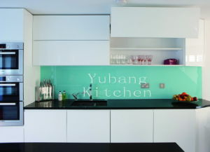 Lacquer Kitchen Cabinet (Kitchen #M2012-22) pictures & photos