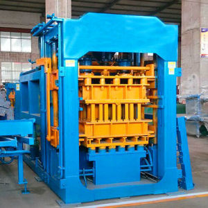Automatic Hydraulic Brick Making Machine in Africa pictures & photos