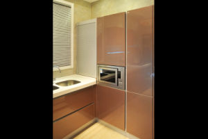 High Gloosy UV Faced Door Kitchen Cabinet Design (ZX-014) pictures & photos