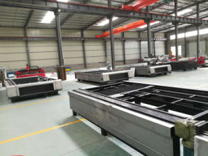 Raycus Ipg Carbon Steel/Stainless Metal Sheet CNC Fiber Laser Cutting Machine for Sale pictures & photos