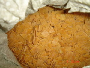 Yellow Flakes 70%Min Fe: 30ppm Max Sodium Hydrosulphide pictures & photos