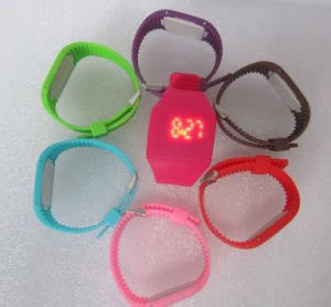 Fashion LED Silicone Wristband Digital Watch for Promotion pictures & photos