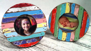 Round Hand Colorful Painted Wood Photo Frames pictures & photos