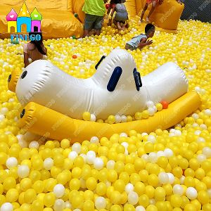 Finego Inflatable Sea Ball Water Toy Banana Boat Float pictures & photos