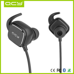 Magnetic Bluetooth Headphones with Noise Cancelling for Sports pictures & photos