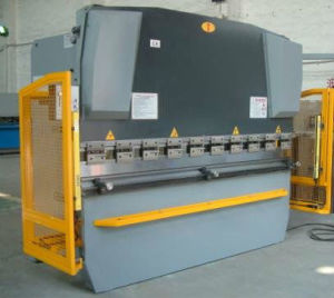 CNC Hydraulic Plate (digital) Bending Machine pictures & photos