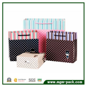 Simple Design Sturdy Paper Shopping Bag pictures & photos