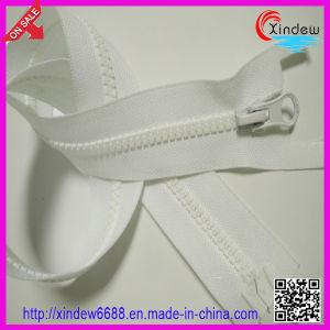 Single Hand Plastic Zipper pictures & photos