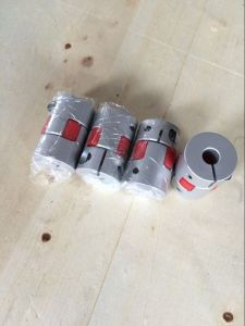 20-25 Curved Jaw Coupling for Servo Motors pictures & photos