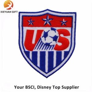 Custom Soccer Sport Embroidery Badge Article with Logo pictures & photos
