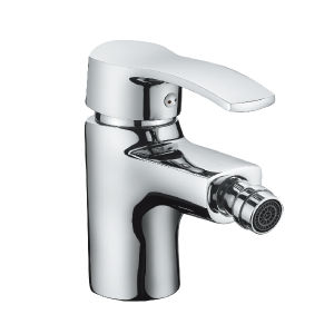 Deck Mounted Single Handle Bidet Faucet (H01-106) pictures & photos