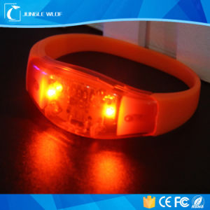 Silicone Sound Activated LED Bracelet/Light up Motion Activated LED Bracelet pictures & photos