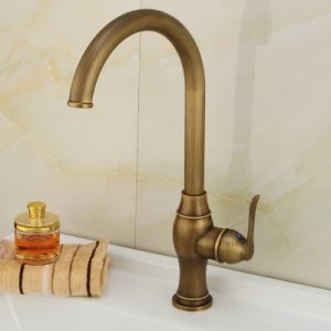 Ningjie Sanitary Ware Classical Kitchen Brass Faucet (6703A) pictures & photos